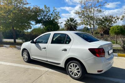 Mietwagen Clio Symbol Diesel in Busbahnhof Antalya